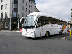 Fairline Coaches of Glasgow Scania K360IB4 Irizar i6 YR15VBD, in Trafalgar Tours livery, turning from George Street into St Andrew Square, Edinburgh, on 23 July 2018. (Robin Dickson 1) Tags: fairlinecoaches craigofcampbeltown busesedinburgh westcoastmotors scaniak360ib4 irizari6 yr15vbd trafalgartours dunwoodtravelofdudley