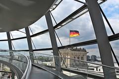 Reichstag Dome # 5 (just.Luc) Tags: reichstag dome koepel dôme kuppel architectuur architecture architektur arquitectura building gebouw gebäude bâtiment flag vlag drapeau flagge bandiera metal metaal glass verre glas berlin berlijn allemagne deutschland duitsland germany europa europe