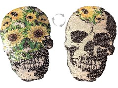 Wechsel Pailletten Applikation, FLOWER SKULL (patchmonkeys) Tags: patch glamour pailletten glam edel chic style no gros rücken brust applikation glamourös glizzy glitzern glitzerdinge strahlen disko fashion reflektion bling aufbügler edle edles aufnäher xl first rule rules patches klassisch stylisch flipflop wechsel kippeffekt flip flop farbwechsel wendepailletten zauberpailletten