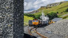 Loading dust at Arcow (robmcrorie) Tags: 66761 gbrf class 66 loading dust arrow quarry tarmac digger jcb train rail railway settle carlisle yorkshire nikon d850 railfan freight