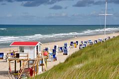 Vacation (ARTUS8) Tags: nikon18105mmf3556 bildkomposition nikond90 meer strand menschen landschaft flickr strandleben personen ozean gras küste sea