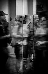 Hustle and bustle (Solène.CB) Tags: blavatnikbuilding tatemodern london londres people flou black noir white blanc bw nb solènecb canoneos70d