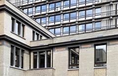 ac-units (roberke) Tags: windows ramen vensters architecture architectuur buildings gebouwen lijnenspel lijnen lines outdoor buiten reflections reflecties
