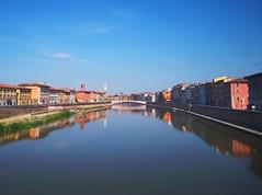 Pisa in UHD #HuaweiP20 (matteoleoni1) Tags: huaweip20 pisa river arno riverside water blue bank sponda fiume tuscany summer heatwave hot weather