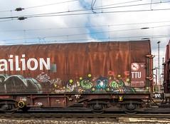 089_2018_03_14_Oberhausen_West_Mathilde_1232_255_DB_mit_Eaos_Osten (ruhrpott.sprinter) Tags: ruhrpott sprinter deutschland germany allmangne nrw ruhrgebiet gelsenkirchen lokomotive locomotives eisenbahn railroad rail zug train reisezug passenger güter cargo freight fret oberhausen west stellwerk mathilde maf 0037 0077 0275 1211 1216 1261 1266 1275 3294 4475 5370 6151 6152 6155 6186 6187 6189 6193 6241 es 64 f4 es64f4 akiem blsc boeg buvl ccw ctd db dbcsc de dispo hctor niag pkpc rbh rpool vl outdoor logo natur graffiti