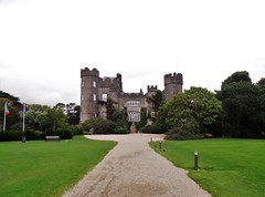 Irland (Nadja Golitschek) Tags: irland grüneinsel ireland insel tourismus impressionen malahide schloss castle garten