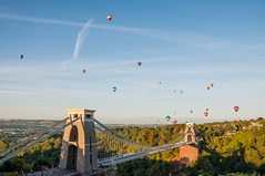 Typical Bristol Scene (Baker_1000) Tags: 2018 bristol bristolballoonfiesta balloonfiesta balloon fiesta hotairballoon cliftonsuspensionbridge summer nikon d90 nikond90 raw