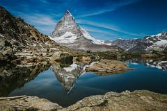 A9907198_s (AndiP66) Tags: riffelsee lake see spiegelung reflection matterhorn zermatt gornergrat matterhorngotthardbahn amschönstenbergderwelt riffelberg alpen alps berge mountains wallis valais schweiz switzerland sony alpha sonyalpha 99markii 99ii 99m2 a99ii ilca99m2 slta99ii sigma sigma24105mmf4dghsmart sigma24105mm 24105mm art amount