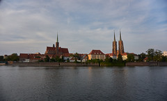 Wrocław Old Town III (Michal Zawolek) Tags: wrocław vratislav breslau travel cityscape cityscapes city water watersurface river stream riverbank old town oldtown medieval middleages middle ages odra oder