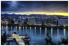 Amanecer en el puerto de Calcis - Sunrise over the port of Halkida (bit ramone) Tags: grecia grece calcis halkida sunrise amanecer port puerto mediterrráneo sea mar sun bitramone pentax pentaxk5 viajes travel