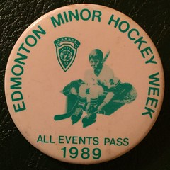 EDMONTON, ALBERTA 1989 ---MINOR HOCKEY WEEK ALL EVENTS PASS---PINBACK BUTTON (woody1778a) Tags: edmonton history pinback button alberta canada albertahistory