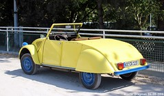 Citroën 2CV cabriolet (XBXG) Tags: citroën 2cv cabriolet cabrio convertible roadster tourer yellow jaune det 2018 citroën2cv 2pk eend geit deuche deudeuche 2cv6 dinslaken deutschland duitsland germany vintage old classic french car auto automobile voiture ancienne française outdoor