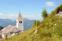 Monte Lussari (Wolfgang Binder) Tags: church landscape scenery view alsp mountains grass sky clouds nikon d7000 zeiss distagon distagont2825