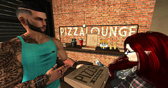 Beer and Pizza! (Stewz Wrench) Tags: sl secondlife slphotography pizza beer friends lounge chill goodtimes catwa gianni