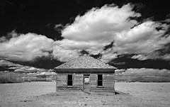 the square house - Infrared (eDDie_TK) Tags: colorado co weldcountyco weldcounty plattevilleco meadco abandoned coloradoseasternplains infrared ir blackandwhite bw