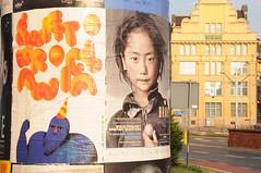 180618 - Farbenrausch am Morgen (klaas.sperling) Tags: polen breslau schlesien plakate plakat sonne morgen morgensonne farben licht orange gelb warm kontraste wroclaw slask