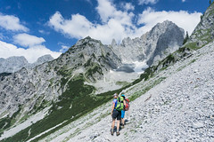 Aufstieg zum Ellmauer Tor (Uli - www.auf-den-berg.de) Tags: wandern hiking berge mountains wilderkaiser kaisergebirge tirol tyrol austria outdoors