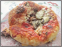 Pizza Anyone (bigbrowneyez) Tags: pizza edible tasty delicious cheese sauce tomato fabulous flavourful dough eyecandy personalpan hot maniare striking prize barrhaven savoury olives mushrooms food