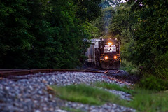 5202 down the hill (Matthew DeLanghe) Tags: highhood hg norfolksouthern northcarolina ns nc train trees rail rr grass gastonia emd southern