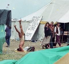 stonehenge-80-22-drugs-cpy (Luke b Domingo) Tags: stonehengefreefestival stonehengefestival stonehenge freefestivals ukfreefestivals hippies hippygathering drugsforsale solsticeritual sidrawle lukebdomingo headstand