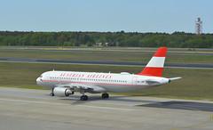 OE-LBP - Airbus A320-214 (Digi-Joerg) Tags: internationalerverkehrsflughafen berlintegel txl austrian airbusa320 ersterflug09031998 heimatflughafenwien oe austria
