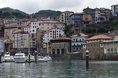 Mutriku (Lanzen) Tags: water sea sky coast gipuzkoa euskalherria basquecountry mutriku town herria houses