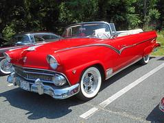 1955 Ford Sunliner (splattergraphics) Tags: 1955 ford fairlane sunliner convertible carshow kentislandcruisers kentislandhighschool stevensvillemd