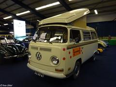 1971 Volkswagen T2 Camper (peterolthof) Tags: oldtimerbeurs leek peterolthof dz0067