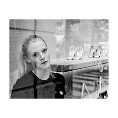 ... (jean76_58) Tags: pentax portrait streetportrait street photography regard blackwhite bw noirblanc nb monochrome monotone urbain urban people frenchtouch personnes jcois rouen portait fineart