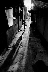 alley 715 (soyokazeojisan) Tags: japan bw light street city people blackandwhite analog olympus m1 om1 28mm film trix kodak memories 昭和 1970s 1975