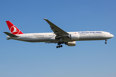 TC-LJH (markyharky) Tags: heathrow airport heathrowairport london londonheathrow lhr egll aircraft aviation avgeek tcljh boeing 777300 boeing777300 boeing777 b77w turkish airlines
