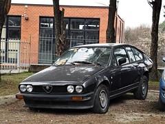 Alfa Romeo GTV 2.0 (Alessio3373) Tags: abandoned abandonment abandonedcars autoabbandonate unused unloved forgotten forgottencars neglected autoshite transaxle alfaromeo alfaromeogtv alfaromeogtv20
