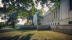 Albright Knox Art Gallery (fengtoutou) Tags: museum sculpture jaumeplensa laura