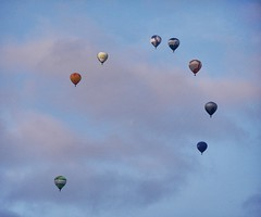 Balloon safari (heinrich_511) Tags: blue sky 14140mm gx7 panasonic beitrier föhren eveningsky formation event safari balloon