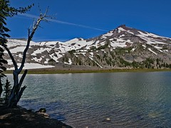 GL1060354GreenLakeSouthSisters (thom52) Tags: central oregon green lakes broken top south sister wildflowers hiking
