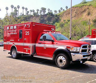 Los Angeles Fire Department Rescue Ambulance 25