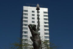 Tall building and sculpture in Leeds (Tony Worrall) Tags: update place location uk england north visit area attraction open stream tour country item greatbritain britain english british gb capture buy stock sell sale outside outdoors caught photo shoot shot picture captured leeds urban architecture yorkshire yorks city tall design modern statue sculpture shine light lamp highrise