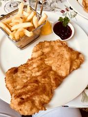 Schnitzel (stefan aigner) Tags: altepost austria carinthia food foodporn kärnten oesterreich österreich restaurant schnitzel velden