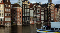 Canal Houses (Kallu Medeiros) Tags: sony nex 5 nex5 medeiros amsterdam holland noordholland kallumedeiros industar n61 5228 vintage canal canalhouses boat m39nex adapter manualfocuslens l39nex building
