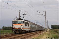 Dernier jour de circulation des BB 16500 en Nord-Pas-De-Calais,  la BB 16651 en pousse du Lille - Valenciennes à Ecaillon le 24 aout 2011. (noz95s) Tags: bb16500 bb16651 ecaillon vo2n ter nordpasdecalais sncf