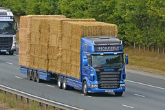 PX06 CMU (panmanstan) Tags: scania wagon truck lorry commercial drawbar freight transport straw haulage vehicle a1m fairburn yorkshire