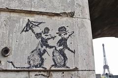 Banksy_3864 parc des Rives de Seine Paris 16 (meuh1246) Tags: streetart paris banksy parcdesrivesdeseine paris16 animaux rat parapluie chapeau