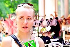 Blonde Girl at Ueno Zoo, Tokyo : 金髪の少女 (Dakiny) Tags: japan 2014 2014年 august 8月 midsummer 真夏 tokyo 東京 taito 台東区 ueno 上野 park 公園 uenopark 上野公園 city 街 street 街頭 people 人々 zoo 動物園 uenozoo 上野動物園 shop 売店 travel 旅行 traveler 旅行者 woman 女性 blonde 金髪 ブロンド girl 少女 face 顔 smile 笑顔 photo フォト photograph picture 写真 フォトグラフ portrait 肖像写真 人物写真 snap スナップ snapshot スナップ写真 nikon d5100 afs nikkor 50mm f18g nikonafsnikkor50mmf18g