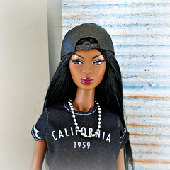 Cap girl (Deejay Bafaroy) Tags: facesofadele adele makeda integrity toys fashion royalty thefacesofadele doll puppe fr black schwarz pink rosa white weiss portrait porträt wig perücke cap kappe