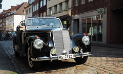 Mercedes-Benz 220 Cabriolet (G_E_R_D) Tags: mercedesbenz mercedes 220 w187 cabrio cabriolet fullsizeluxurycar oldtimer classiccar issernichschön leidernichtmeiner münsterwestfalen auto car telefunkenradio