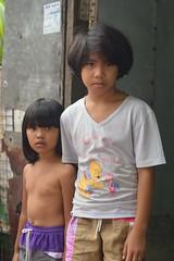 sisters (the foreign photographer - ฝรั่งถ่) Tags: aug12015nikon two sisters khlong lard phrao portraits bangkok bangkhen thailand nikon d3200