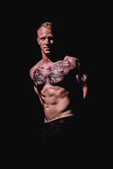 _BSC2419 (benni_schuetzenhofer) Tags: inked shredded shred tattoo tattooedup blackbackground abs sixpack huge muscle muscles big getbig fitness model athletic fit fitguy man male malemodel