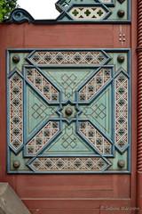 Detail der Tür zum Tempelgarten (Sockenhummel) Tags: eingang neuruppin tempelgarten gate tor entrance tür door brandenburg fuji xt10 ornament