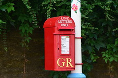No final demands please (jan.ashdown) Tags: red postbox post letterbox lovers love loveletters