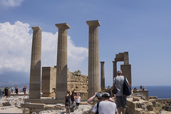 Lindos Akropolis Temple of Athen & tourists (ir0ny) Tags: rhodes greece lindos acropolis akropolis lindosacropolis lindosakropolis greek ancient ancientgreek temple greektemple athena templeofathena ruins ancientruins lindian
